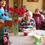 Вкусный обед в нашем пансионате для пожилых!