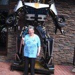 Супер -робот вызвал восторг!