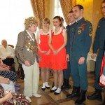 Наши ветераны все в орденах и медалях!
