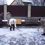 Вспоминаем молодость-чистим снежок!